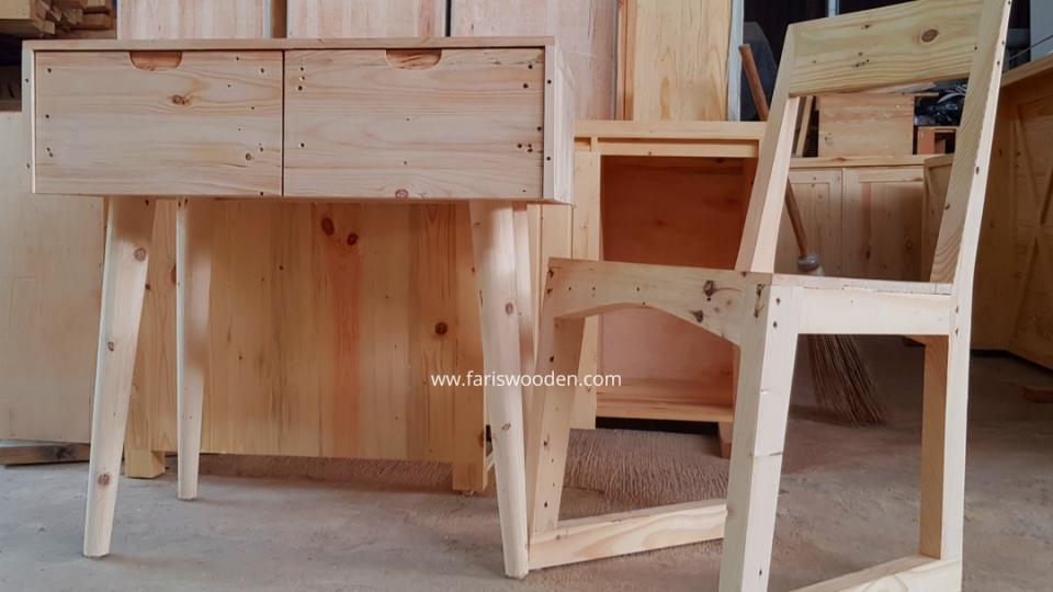Meja dan Kursi Rias
